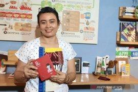 """Penulis di Bali keluarkan buku """"Saya Kamu Mereka"""" di tengah pandemi"""