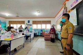 Disdikbud Kalbar evaluasi belajar tatap muka di SMA Negeri 1 Pontianak