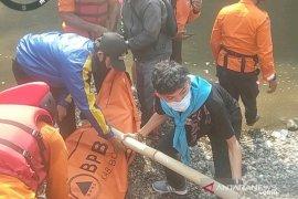 BPBD Bogor berhasil temukan warga tenggelam saat mandi di Sungai Cianten