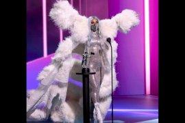 Lady Gaga kenakan masker produk Indonesia di VMA 2020