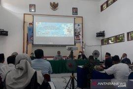 Pemeriksaan kesehatan bacabup-bacawabup Jember di RSSA Malang