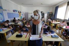 Di Prancis, kasus dan kematian COVID-19 melonjak lagi