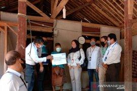 PLN Bekasi bantu sambung listrik gratis kepada warga kurang mampu