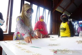 Rahmad Pribadi: Pupuk Kaltim Launching Batik Khas Malahing Untuk Dorong Kemandirian Warga Pesisir