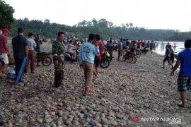 SAR-Tagana cari korban tenggelam di Sungai Batang Muar Malin Deman