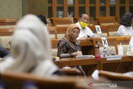 Menaker Ida Fauziyah: 1,9 juta pekerja telah terima subsidi gaji
