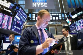 Wall Street ditutup turun tajam tertekan kekhawatiran perlambatan ekonomi