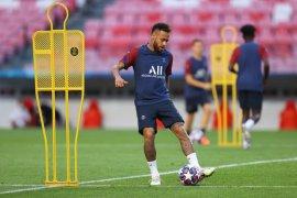 Neymar telah kembali berlatih di PSG sejak dinyatakan positif COVID-19
