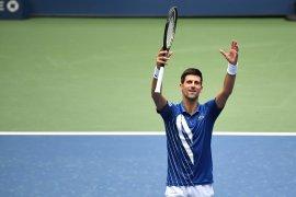 Novak  Djokovic butuh dua jam demi amankan tiket perempat final Italian Open