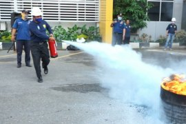 PLN UIW Sumut gelar pelatihan pemadaman kebakaran