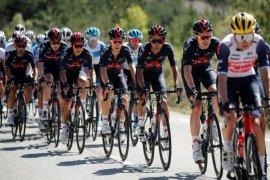 Tour de France,  Tim Ineos tak segarang dulu, kata bos tim rival