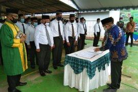 Sudian Noor lantik 98 anggota BPD ditiga Kecamatan