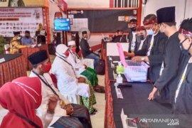 KPU Sumenep terima pendaftaran pasangan Achmad Fauzi-Dewi Khalifah