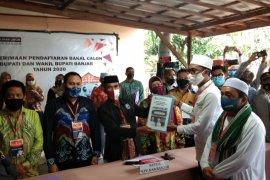Saidi Mansyur-Habib Idrus mendaftar pertama di KPU Banjar