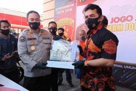 Polda Jatim tangkap sindikat pelaku curat dan pemalsu dokumen kendaraan