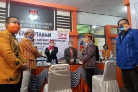 Pendaftaran Pilkada Sintang 2020, Askiman - Hatta pertama