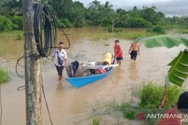 Banjir yang melanda tiga desa di Tanah Bumbu berangsur surut
