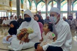 Satu keluarga asal Sumut masuk islam di Aceh Timur