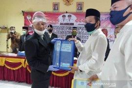 Pasangan Ibnu-Erfian mendaftar ke KPU Bangka Tengah