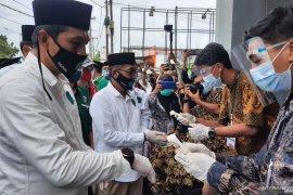 Usai deklarasi, Fadhil-Bakhtiar mendaftar ke KPU Batanghari