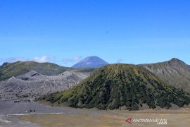 Kasad kunjungi wisata Gunung Bromo pantau pemulihan ekonomi