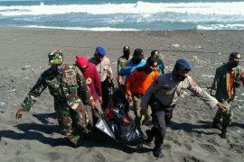 Wisatawan tenggelam ditemukan meninggal