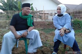 Pasangan Zamakhsyari-Yusni daftar Pilkada Karawang tanpa bawa massa
