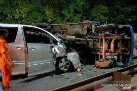 Satu orang terluka dalam tabrakan beruntun di Tol Pulo Gebang