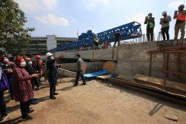 Risma minta pembangunan Jembatan Joyoboyo Surabaya selesai November 2020