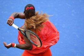 Serena Williams  bangkit untuk singkirkan Stephens di putaran ketiga US Open