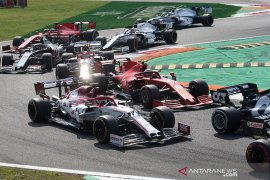Charles  Leclerc buktikan talentanya, namun Ferrari terlalu lambat