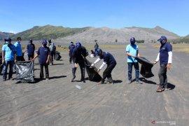 Gerakan BISA Kemenparekraf di Gunung Bromo