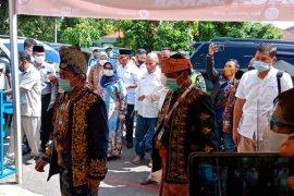 Pilkada Jambi, Mantan hakim dan jenderal bintang dua pakai keris datangi KPU
