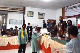 Pasangan Susilawati-Ruswan pendaftar terakhir Pilkada Rejang Lebong