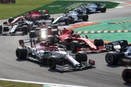 Grand Prix di Sirkuit Monza Italia terhenti sementara menyusul kecelakaan Leclerc