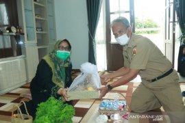Sekda kunjungi istri (alm) Wali Kota Nadjmi Adhani