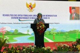 Menteri LHK Siti Nurbaya bantah proyek strategis punya unsur kemerosotan lingkungan