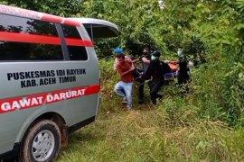 Seorang pemuda ditemukan tewas gantung diri di pohon jati