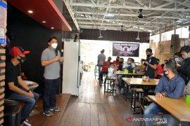 Kopdar komunitas tukang gunting, Wabup bangga generasi muda berikhtiar