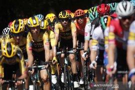Direktur Tour de France positif COVID-19, balapan tetap lanjut