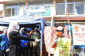 Satgas COVID-19 Probolinggo temukan 24 warga tidak bermasker di pasar