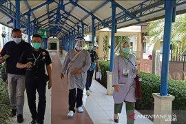 "Pasca ""swab test"", Calon Wali Kota Ati Marliati absen pemeriksaan kesehatan"
