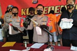 Polresta Tangerang bekuk dua perampok rumah jelang subuh