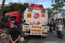 Truk tangki kecelakaan, seorang penyapu jalan di Meulaboh tewas