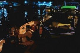 Tim SAR cari dua korban kecelakaan kapal cepat di Kubu Raya