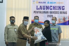 Bupati HST launching Bansos beras PKH 2020