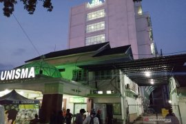 Sepuluh orang jadi korban lift jatuh dari bangunan proyek RS akibat tali sling putus, empat pekerja tewas