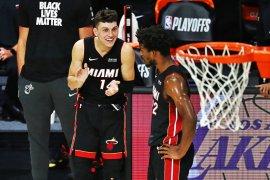 Unggulan kelima Miami Heat singkirkan Bucks untuk maju ke final Wilayah Timur