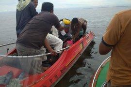 Dua korban kecelakaan kapal cepat yang terbakar ditemukan tewas