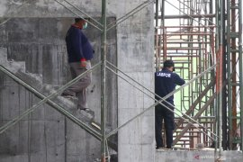Polisi selidiki kasus kecelakaan kerja proyek RSI Unisma tewaskan empat pekerja